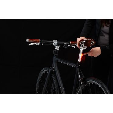 Tige de Selle Lightskin à Rechargement par Piles V2 Chrome